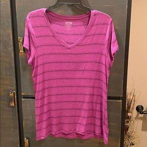 Ladies Apt 9 V-neck Tee (large)